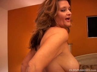 Naughty MILF with pussy and blows the cameraman