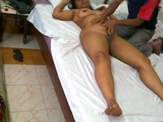 Indian milf mona bhabhi massage sex with room service and fucked