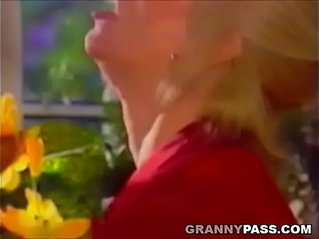 Blonde Gets pussy Pounded On The Table