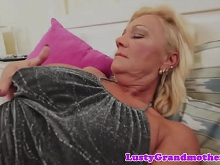 Bigtit gilf fucked by hard and jizzed in mouth