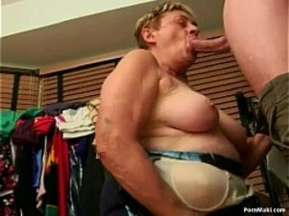 Granny sucks cock like a pro and gets a messy facial